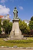 Candie Park ST PETER PORT GUERNSEY Queen Victorias statue Candie Park