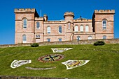 Inverness Castle INVERNESS INVERNESSSHIRE Inverness Castle sherriff court building and floral display