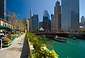 View along Chicago River, Chicago, Illinois, USA