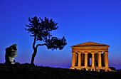 Sculpture by Igor Mitoraj, Concordia temple, Valle dei Templi, Agrigento, Sicily, Italy