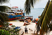 View of boats on the beach of Stonetown, Zanzibar City, Zanzibar, Tanzania, Africa