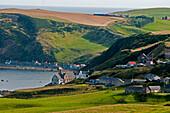 Blick nach Gardentown und Grovie (Hintergrund), Aberdeenshire, Schottland