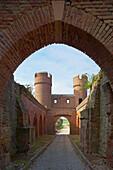 Münstertor, City gate, City wall, Zülpich, Northern part of Eifel, North Rhine-Westphalia, Germany, Europe