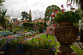 Botanical gardens in the village of Portmeirion, founded by Welsh architekt Sir Clough Williams-Ellis in 1926, Portmeirion, Wales, UK