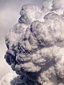 Cumulonimbos, nubes de tormenta de desarrollo vertical en el Valle de Gistaín - Sobrarbe - Pirineo Aragonés - Huesca - España