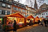 cold, festive, France, frosty, horizontal, location, market, Navidad, Noel, outdoor, seasonal, snow, snowy, square, stall, tradition, white, winter, YL2-1202258, AGEFOTOSTOCK