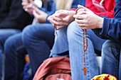 Australie, Sydney, World Youth Day. Prayers of the Holy Rosary.