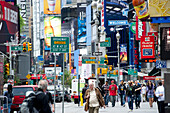Morning rushhour at Times Square and Broadway, Manhattan, New York, USA