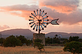 Wind wheels, cottage, near Campos, Mallorca, Balearic Islands, Spain, Europe