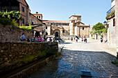Colegiata de Santillana del Mar, old town, Santillana del Mar, Cantabria, Spain