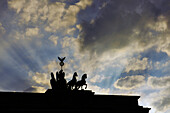 Quadriga on the Brandenburger Tor in the evening light, Pariser Platz, Mitte, Berlin, Germany, Europe