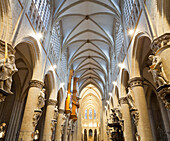 Central aisle and arched roof of the cathedral Saint Michel at Gudule, Brussels, Belgium, Europe