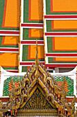 Architectural detail of Wat Pho temple, Bangkok, Thailand