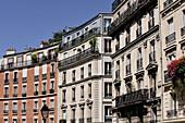 France, Paris, Montmartre, building façades
