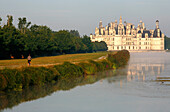 France, Centre Val de Loire, Loir et Cher (41), Chambord castle and canal