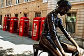 Dancer sculpture in London, London, United Kingdom