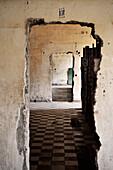 Korridor in Folter Anstalt Tuol Sleng S-21 der Roten Khymer, Tuoal Sleng war zuvor eine Schule, Gedenkstätte, Phnom Penh, Kambodscha