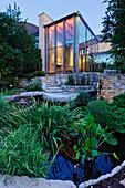 Luxury Home Garden and Pond, Dallas, Texas, USA