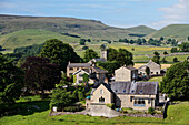 Houses at idyllic hilly landscape, Hebden, Yorkshire Dales National Park, Yorkshire Dales, Yorkshire, England, Great Britain, Europe