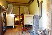 Two children inside children's room, Klein Thurow, Roggendorf, Mecklenburg-Western Pomerania, Germany