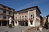 View of main square and church at coastal town Getaria, Camino de la Costa, Camino del Norte, coastal route, Way of St. James, Camino de Santiago, pilgrims way, province of Guipuzcoa, Basque Country, Euskadi, Northern Spain, Spain, Europe
