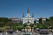 HORSE CARRIAGE SIGHTSEEING EXCURSION TOURS JACKSON SQUARE FRENCH QUARTER DOWNTOWN NEW ORLEANS LOUISIANA USA