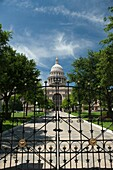 CLOSED IRON RAILING GATE STATE CAPITOL BUILDING AUSTIN TEXAS USA
