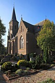 D-Kleve, Lower Rhine, Rhineland, North Rhine-Westphalia, NRW, D-Kleve-Donsbrueggen, church Saint Lambertus, catholic church, neo-Gothic, evening mood
