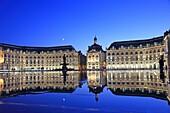 France, Bordeaux, Miroir d´eau Water mirror and Place de la Bourse