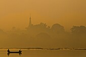 Myanmar (Burma), Mandalay State, Mandalay, Kandawgwi lake, pagoda restaurant Pyi Gimom