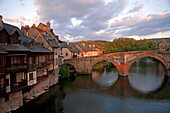 France, Aveyron (12), Espalion, Old Bridge, declared world heritage by UNESCO. Old Tanneries (Calquières), on the banks of the Lot