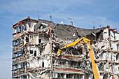 Abriss eines Hochhauses, Wohngebäude in Norddeutschland, Deutschland, Europa