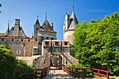 architecture , building , Burgundy , castle , color image , day , Europe , France , horizontal , La Rochepot , mansion , outdoor , residence , V04-1535639 , AGEFOTOSTOCK