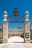 architecture , bresse , building , Burgundy , castle , color image , day , Europe , France , imposing , impressive , mansion , outdoor , palace , picturesque , Pierre , residence , romantic , vertical , V04-1535646 , AGEFOTOSTOCK