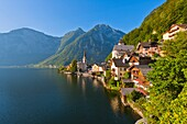 Alpes , Alpine , architecture , Austria , building , calm , church , color image , day , Europe , Hallstatt , horizontal , lake , outdoor , peaceful , picturesque , scenic , unesco , water , world heritage , World heritage site , V04-1589862 , AGEFOTOSTOC