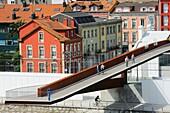Spain, Asturias, Aviles, Footbridge linking the city to the International Cultural Centre Oscar Niemeyer