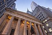 Georg Washington Statue vor Federal Hall, 1842, Wall Street, Downtown, Manhattan, New York City, New York, USA
