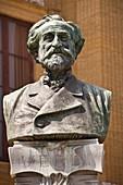 Giuseppe Verdi bust outside Palermo Opera House, Teatro Massimo, Piazza Giuseppe Verdi, Palermo, Sicily, Italy