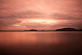 Stausee Tissa Wewa mit Wolken und Langzeitbelichtung, Tissamaharama, Hambantota Distrikt, Sri Lanka