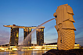Asia, Singapore, Merlion Statue, Merlion, Marina Bay Sands, Hotel, Hotels, Casino, Casinos, Night View, Night Lights, Illumination, Tourism, Holiday, Vacation, Travel. Asia, Singapore, Merlion Statue, Merlion, Marina Bay Sands, Hotel, Hotels, Casino, Casi