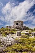The Mayan ruins of Tulum and caribbean seashore, Tulum, Yucatan Peninsula, Quintana Roo, Mexico
