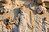 Neumarkt, relief sculpture above the gate of the Koehlersche Weinhandlung, Dresden, Saxony, Germany
