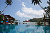 Resort with pool at Haad Yao Beach oder Long Beach, Koh Phangan Island, Surat Thani Province, Thailand, Southeast Asia