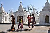 Woman with a child, Kuthodaw Pagoda, Mandalay, Myanmar, Burma, Asia