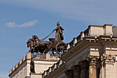 Quadriga on Brunswick Palace, reconstruction of the historic facade after damage during world war II and subsequent demolition, the adjoining shopping centre, Schlossarkaden, contains over 150 shops and restaurants, classicism, Brunswick, Lower Saxony, Ge