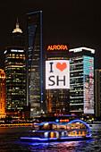 Ich liebe Shanghai Leuchtreklame, Skyline am Bund, Huangpu River, Shanghai, China, Shanghai, China