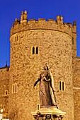 England,Berkshire,Windsor,Windsor Castle,Queen Victoria Statue