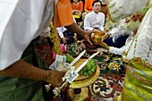 The biggest Nat ritual is held in Taungbyon, about twenty kilometers north of Wagung, in august, for six days including the full moon of Wagung  During a nat pwè, festival, during which nats are propitiated, nat-kadaws dance and embody the nat´s spirit in