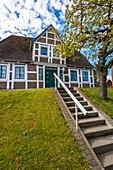 Altes Land, Architektur, Aussen, Bauholz, Deutschland, Europa, Farbe, Gebäude, Haus, Holz, Konstruktion, Rahmen, Strohdach, Tag, Vertikal, V04-1818607, AGEFOTOSTOCK