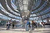 Architektur, Berlin, bulding, Bundestag, Deutschland, Dom, Norman Foster, parlament, Reichstag, Reise, Tourismus, Tourist, V51-1801992, AGEFOTOSTOCK